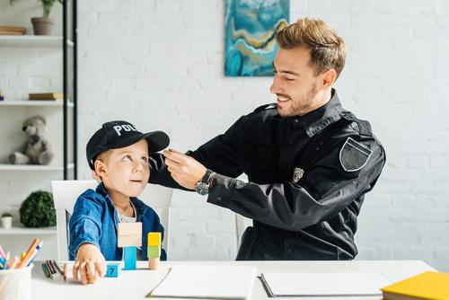 Pro Polizei Berlin, Polizist mit Kind